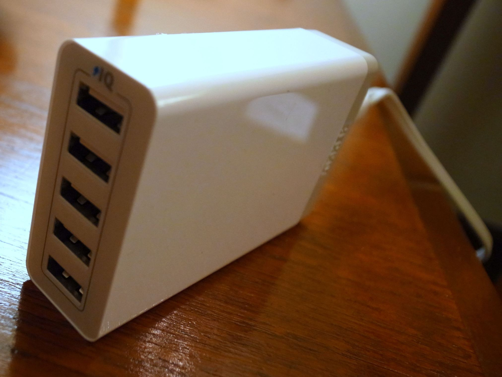 ANKERの5-port Desktop Chargerは素晴らしい