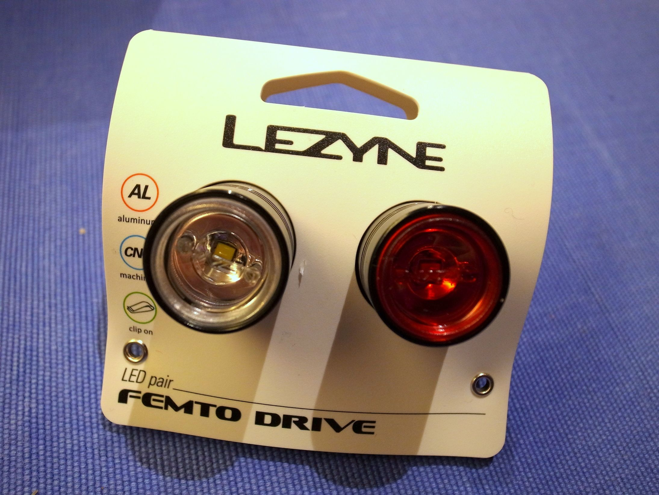LEZYNEのFEMTO DRIVE FRONT 15L & REAR 7L LIGHT SET レビュー
